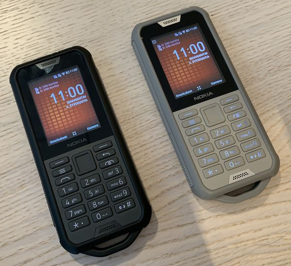 Nokia 800 Tough on älykäs peruspuhelin KaiOS-käyttöjärjestelmällä.