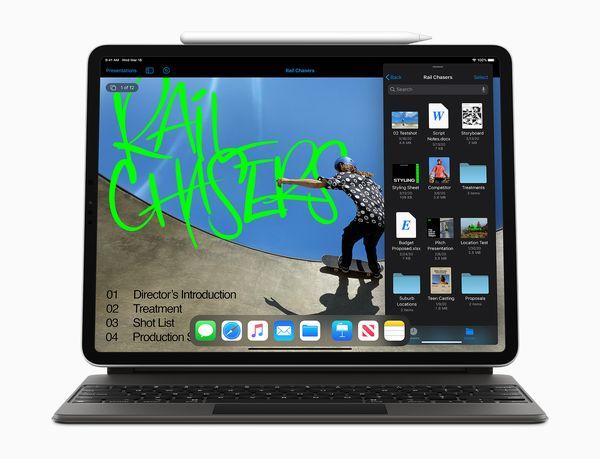 """Magic Keyboard nostaa iPadin """"leijumaan"""" eli käyttöasento on säädettävissä."""