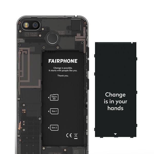 Myös Fairphone 3:n akku on helposti vaihdettavissa.