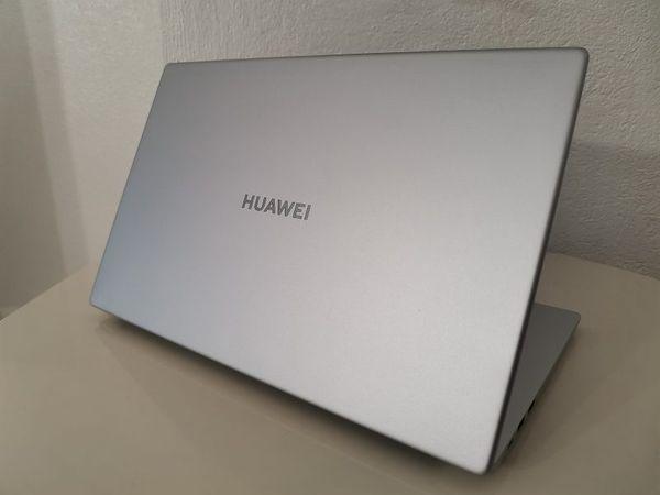 Huawei MateBook D 15″ on ehdottomasti harkitsemisen arvoinen tietokone.