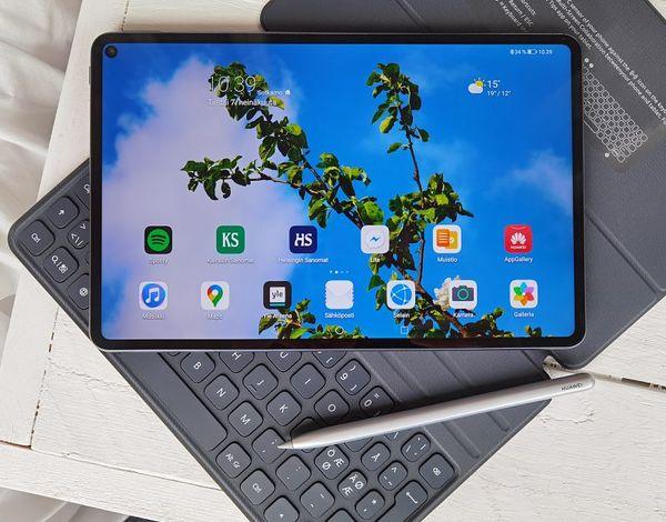 Huawei MatePad Pro erikseen ostettavilla tai kaupan päälle saatavilla lisäosilla tarjoaa monipuolisen tablettikokemuksen.