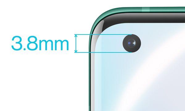 Etukamera on sijoitettu reikänä näytön vasempaan yläkulmaan. OnePlus 8 Prossa reiän halkaisija on 3,8 millimetriä.