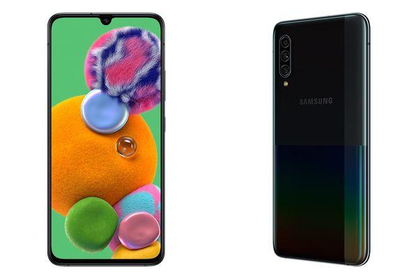 Samsung Galaxy A90 5G:ssä on 6,7 tuuman Super AMOLED -näyttö ja kolme takakameraa.