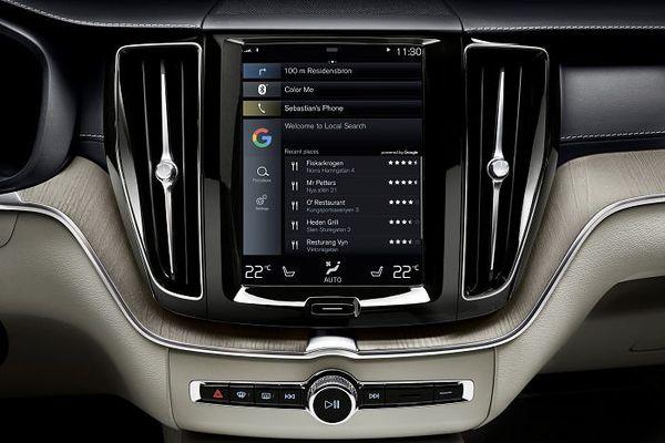 Google ja autovalmistajat tuovat täyden Androidin autoihin.