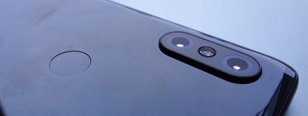 Xiaomi Mi MIX 3:n takakamera on monipuolinen ja kyvykäs. Myös sormenjälkilukija toimii ripeästi.