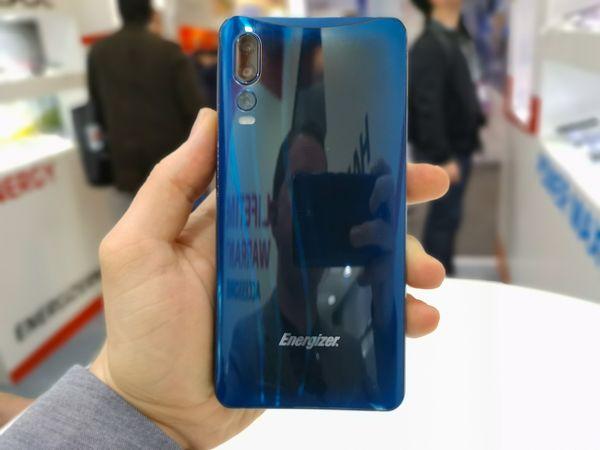 Takaa Energizer-uutuus on lasipintainen.