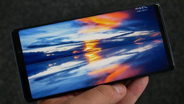Galaxy Note9:n suuri ja laadukas näyttö miellyttää silmiä.