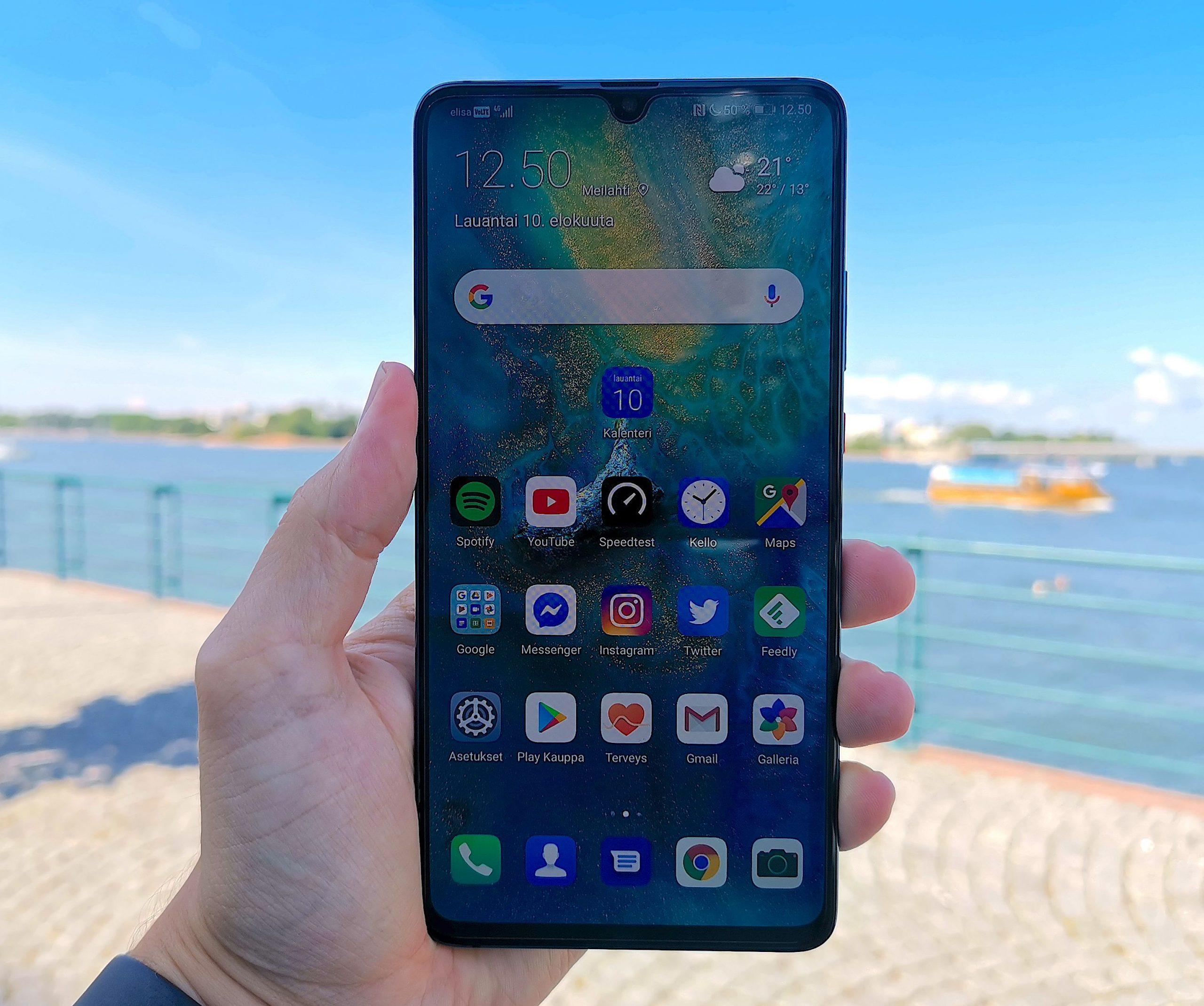 Huawei Mate 20 X 5G erottuu joukosta suurella koollaan.