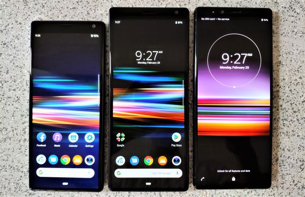 Sonyn MWC 2019 -uutuudet. Vasemmalta oikealle: Xperia 10, Xperia 10 Plus ja Xperia 1.