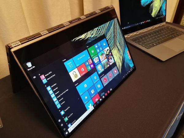 Lenovo Yoga 920:n näyttö kääntyy 180 astetta.