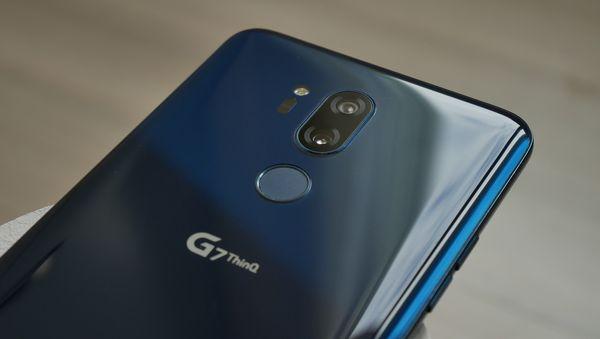 LG G7 ThinQ:ssa on kaksi 16 megapikselin takakameraa.