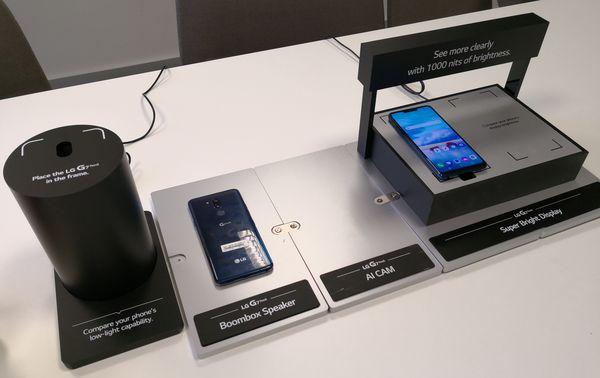 LG:n korostamia ominaisuuksia G7 ThinQ:ssa ovat hyvä hämäräkuvuas, Boombox-kaiutin, kameran tekoäly sekä kirkas näyttö.