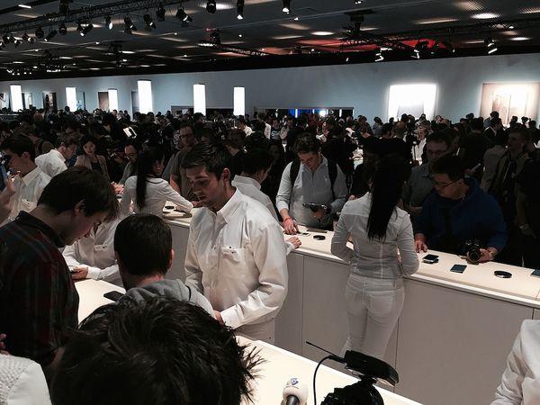 Samsung Galaxy S6 keräsi suurimman kiinnostuksen Barcelonan mobiilikonferenssissa.