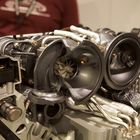 Turboahtimet sijaitsevat V-kulman sisäpuolella