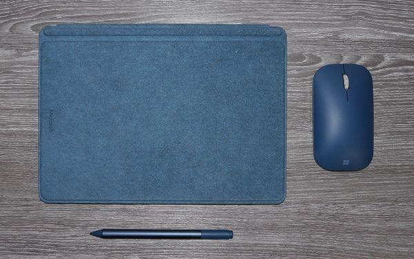 Testipakettimme kokonaishinta on 903,89 euroa, mutta ilman Mobile Mouse -hiirtä, Surface Peniä ja edullisemmalla näppäimistöllä hinta olisi 718,95 euroa.
