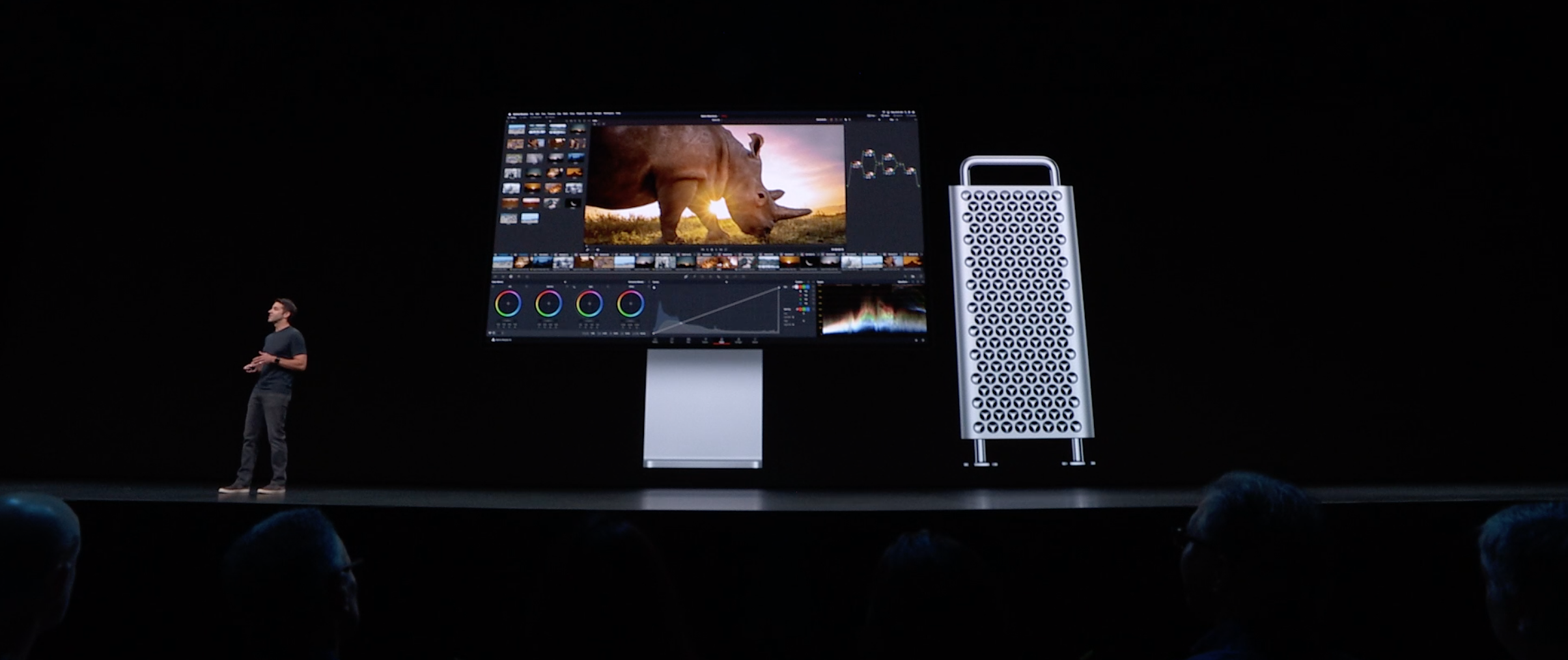 Mac Pro ja Pro Display XDR -näyttö.