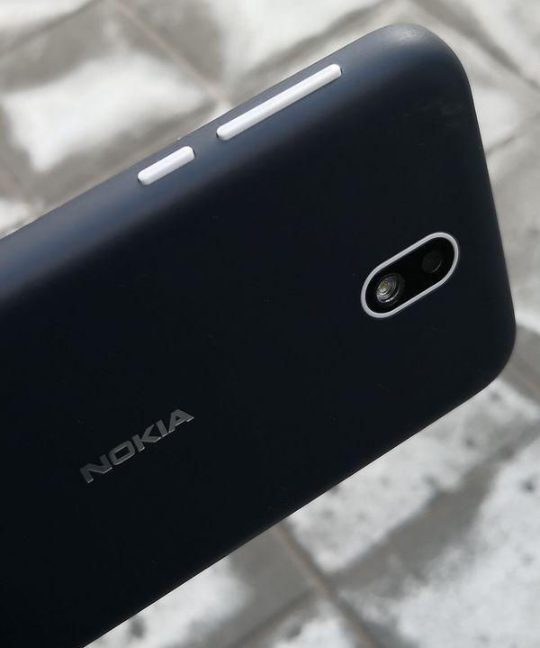 Nokia 1:n sivupainikkeiden tuntuma on hyvä.sdr