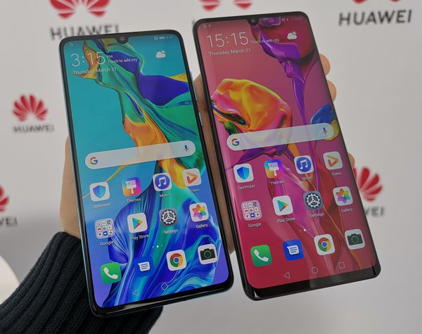 Huawei P30:ssa on 6,1 tuuman ja Huawei P30 Prossa 6,47 tuuman OLED-näyttö.