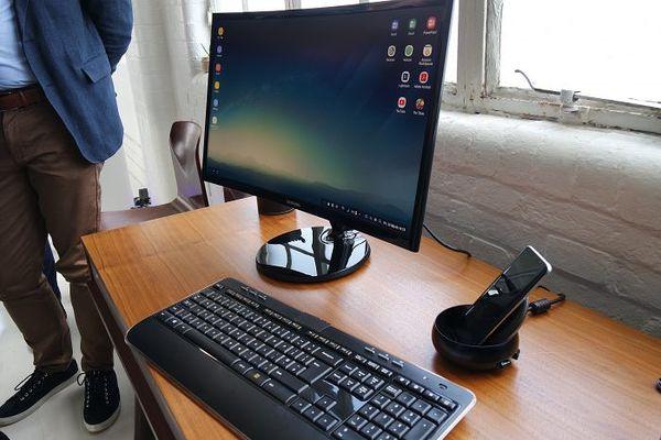 Samsung DeX muuntaa Androidin Windows-tyyliseksi työpöytäkäyttöliittymäksi.