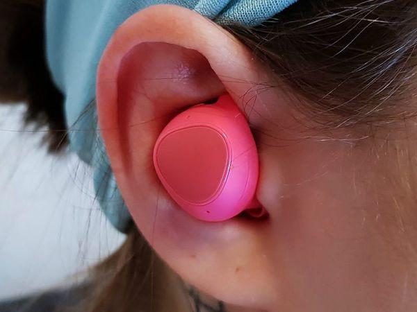 Gear IconX (2018) -kuulokkeet sopivat monenkokoisiin korviin.