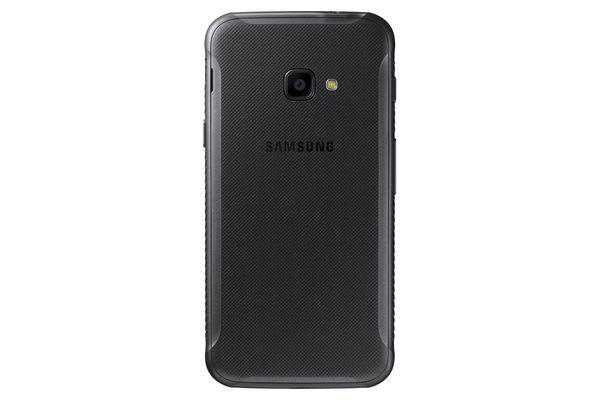 Galaxy Xcover 4 on tehty kestämään myös iskuja.