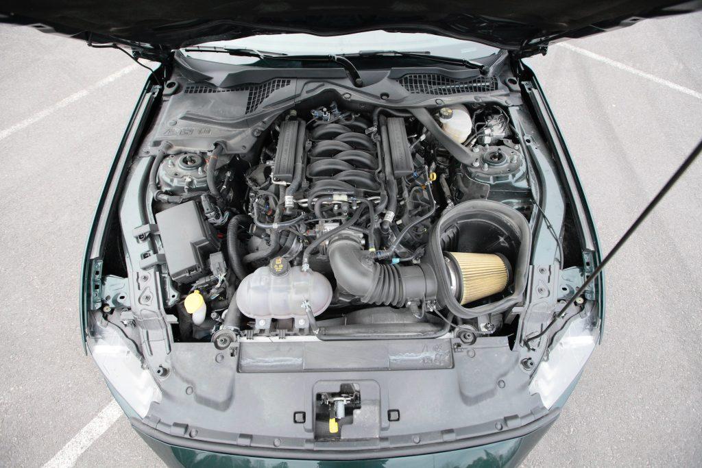 ford_mustang_bullitt_moottori