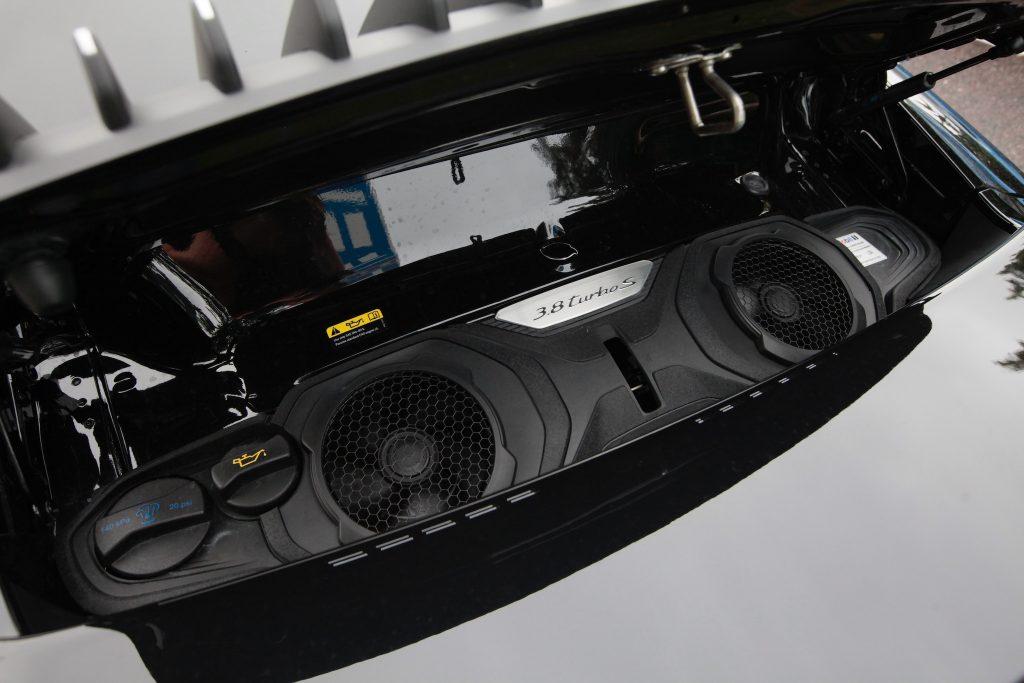 992_911turbos_moottori2
