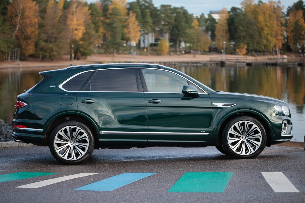 bentley_bentayga_v8_facelift_2020
