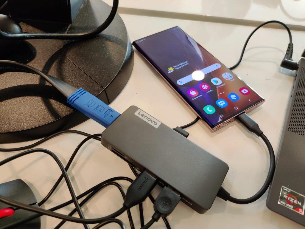 Galaxy Note 20 telakoituna Dex-käyttöön